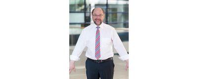 1. Mai-Aktionsfoto mit Martin Schulz als Teil einer virtuellen Menschenkette