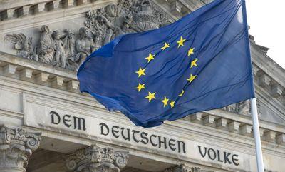 Fahne_Europa_Reichstag_Photothek.jpg