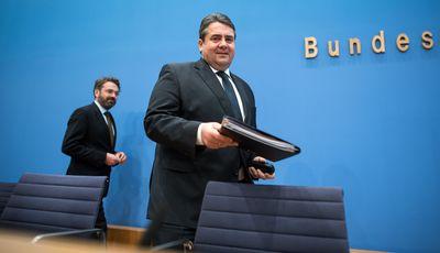 Foto: Sigmar Gabriel bei der Vorstellung des Jahreswirtschaftsberichts