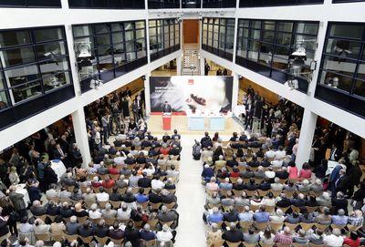 Foto: Besucher der Konferenz im Willy-Brandt-Haus