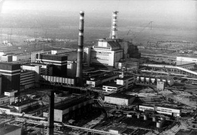 Foto: Von einem Hubschrauber aus wurde im Januar 1991 diese Übersicht des Atomkraftwerks Tschernobyl aufgenommen.