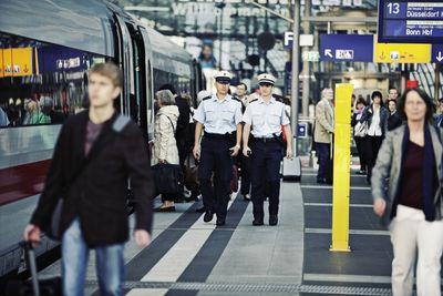 Bahnpolizeiliche Streife am Berliner Hauptbahnhof