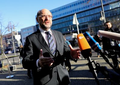 Foto: Martin Schulz gibt vor dem Konrad-Adenauer-Haus ein Statement ab