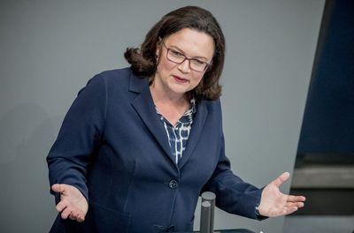 Foto: Andrea Nahles spricht im Deutschen Bundestag