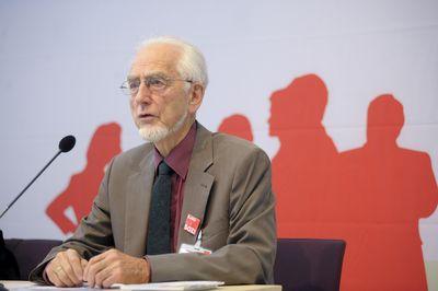 """""""Links leben – Erinnerungen eines Wertkonservativen"""" heißt das Buch von Erhard Eppler. (Foto: dpa)"""