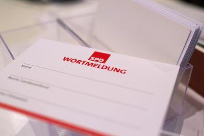 Foto: Wortmeldungskarte beim SPD-Parteitag