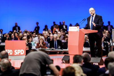 Foto: Martin Schulz redet beim SPD-Parteitag 2017 in Berlin
