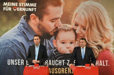 """Sigmar gabriel (r) und Nils Schmid stellen die Kampagne """"Meine Stimme für Vernunft"""" in Stuttgart vor"""