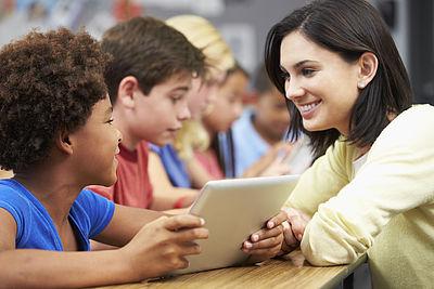 Symbolfoto: Wir machen Schulen modern!